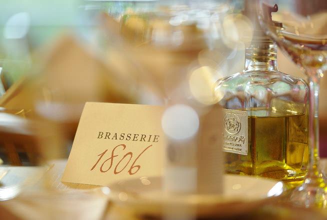 """Classic Wiener Schnitzel Recipe from the Brasserie """"1806"""" in Germany"""