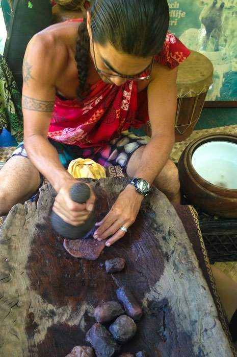 Making Poi with Anakala and his family in Hawawa Valley